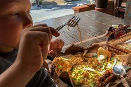 Sebastian spiser indonesisk mad. Bali.
