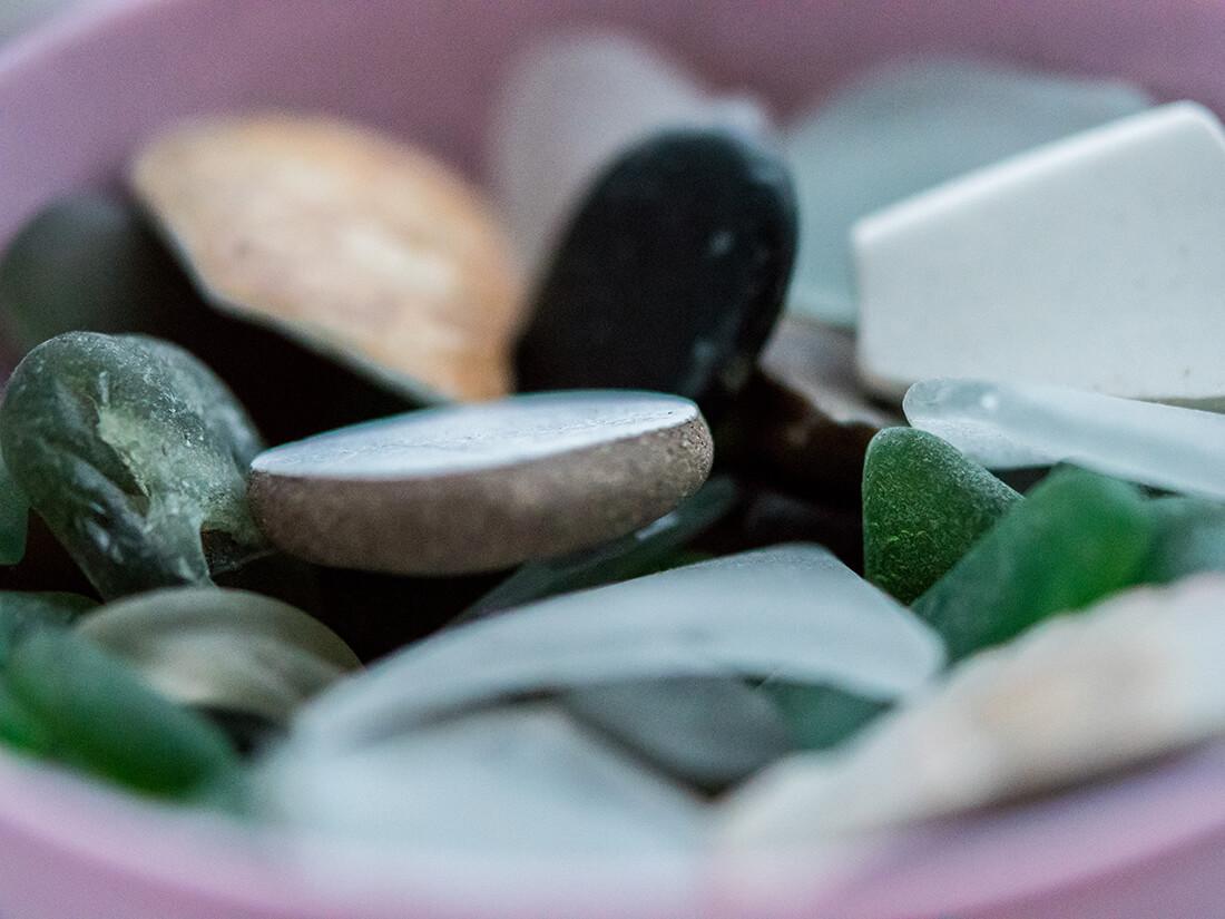 Vandslebne glas fra strand i Estepone, Spanien (Nikon D5600, macro objektiv 60mm f2.8)