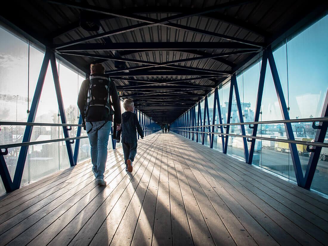 På vej ud til færgen, Frederikshavn