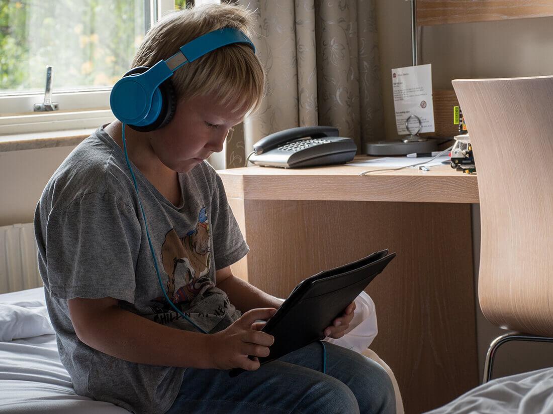 Sebastian på hotelværelset, Majorna, Göteborg