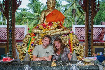 Peter og Lise i et thailandsk tempel, Thailand