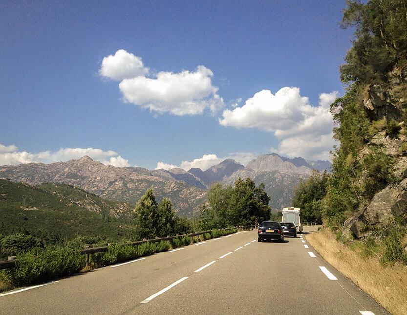 Bjergkørsel på Korsika