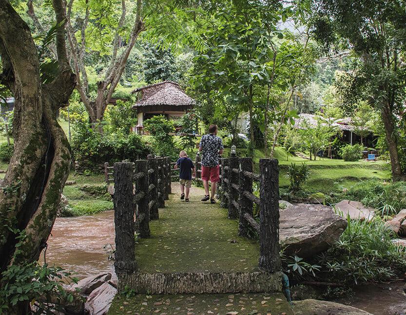 Peter og Sebastian ved Mae Sa Village. Mae Sa Valley.