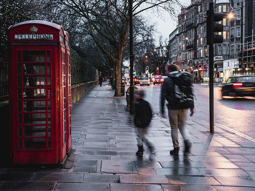 Vi er på vej til vores hotel - langs Hyde Park, Bayswater, London.