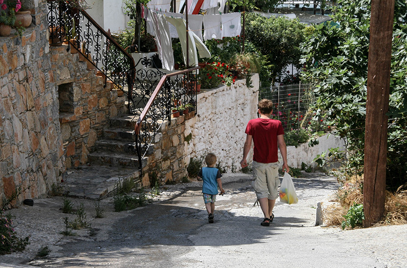 Peter og Sebastian i Hora Sfakion. Sydkreta. Grækenland.