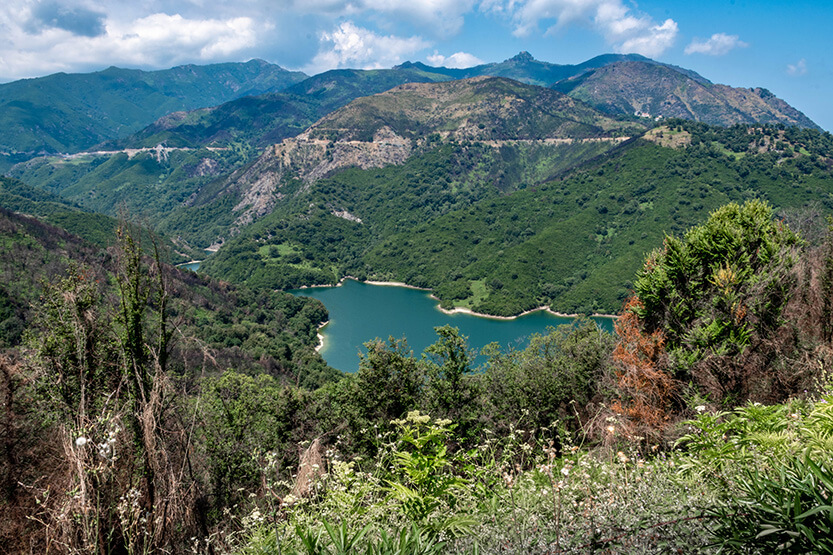 Fra Chiastra er der den smukkeste udsigt til søen Alisani-Lake