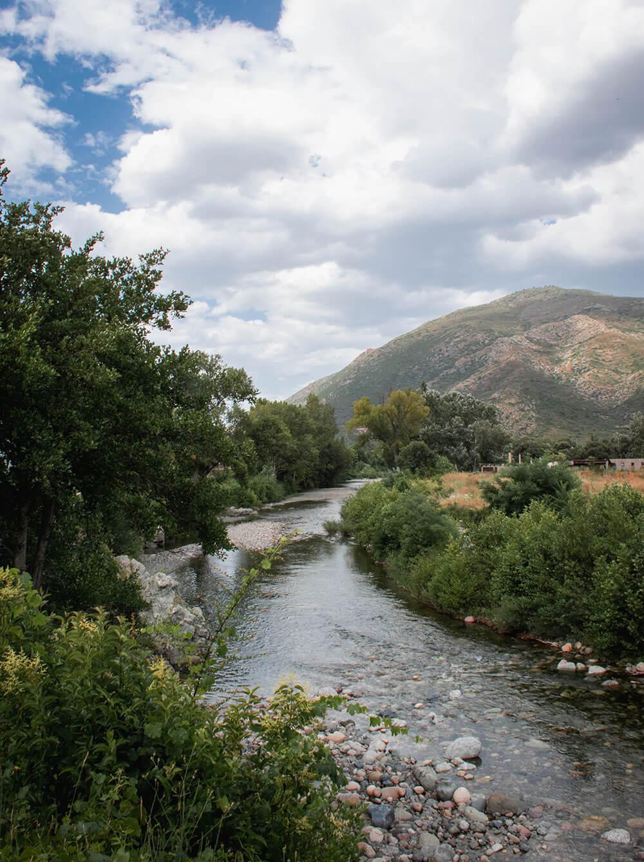 De mange bjerge på Korsika giver mange floder, du kan bade i