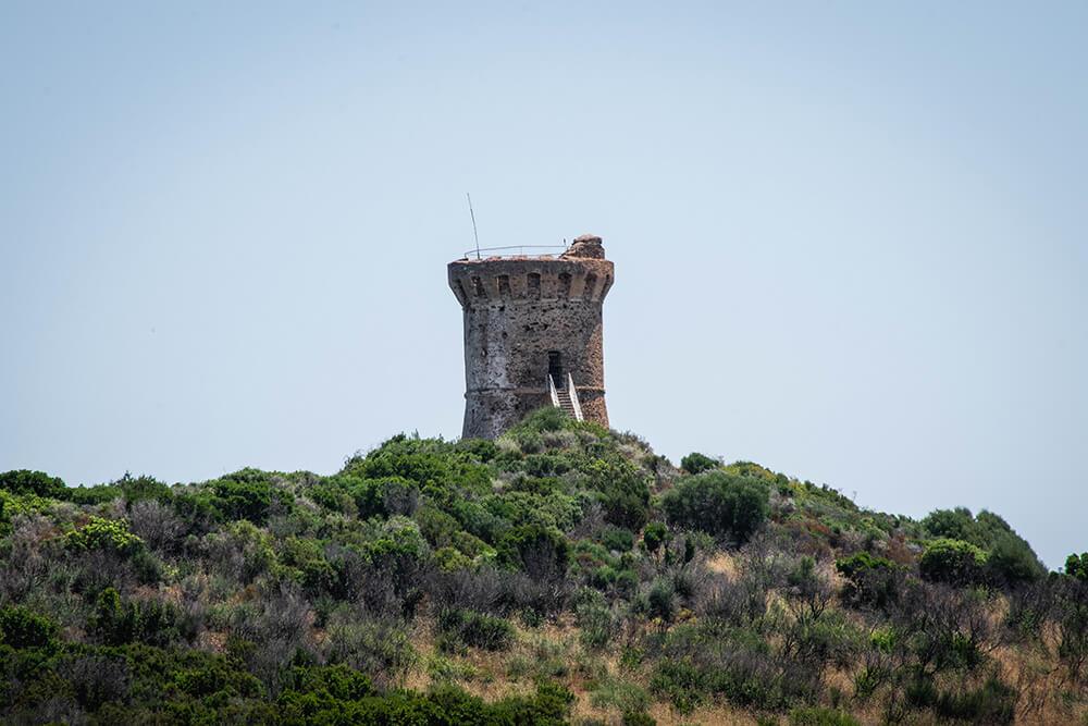 Torra di Fautea, middelalder tårn der havde som formål at beskytte mod pirater fra havet