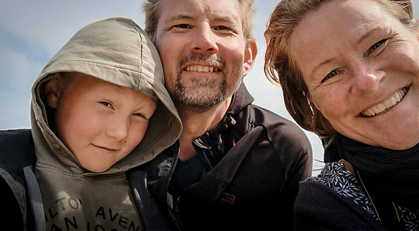 Peter Lise og Sebastian på Grenen