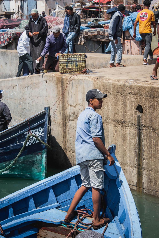 Drengene fisker ligesom deres fædre har gjort i mange hundrede generationer
