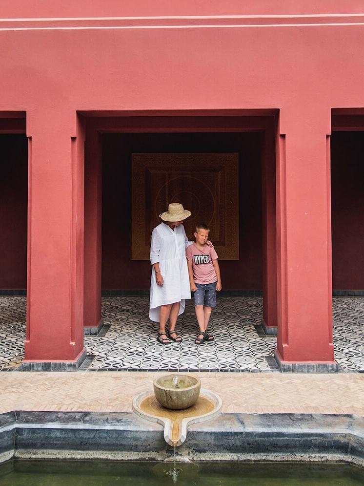 Sebastian er normalt ikke glad for at lade sig opstille til fotografering. Her fik vi ham dog overtalt... Le Jardin Secret - Marrakech