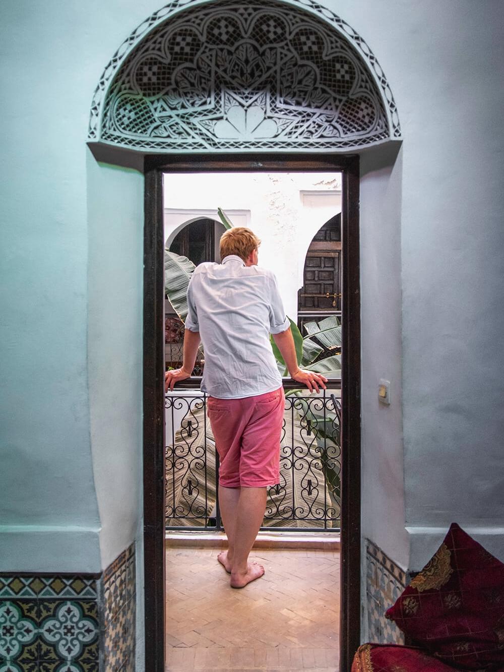 Peter På Vores Riads Balkon I Marrakech