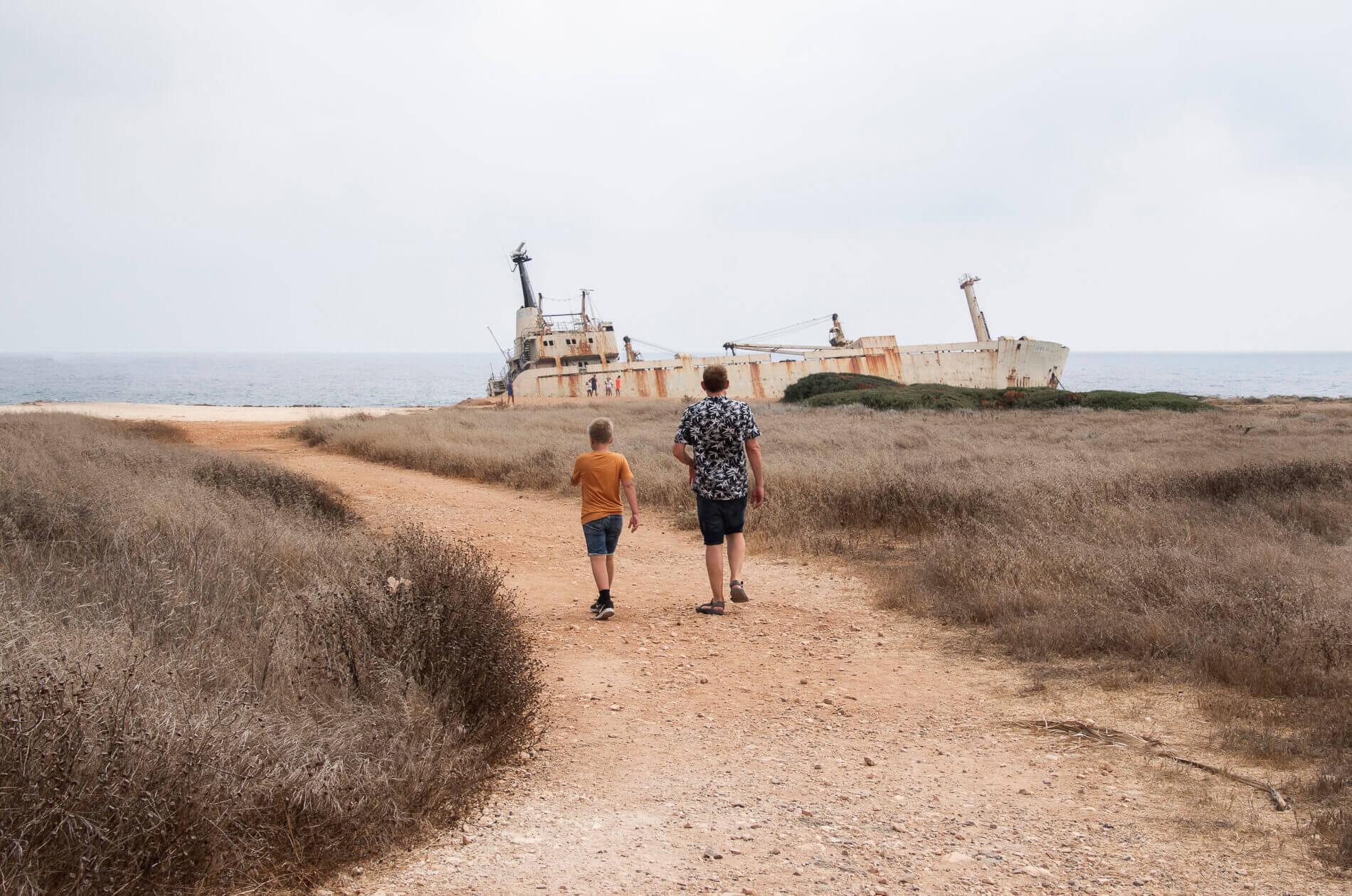 Edro III skibsvraget lå helt inde ved kysten, lidt nord for Coral Bay