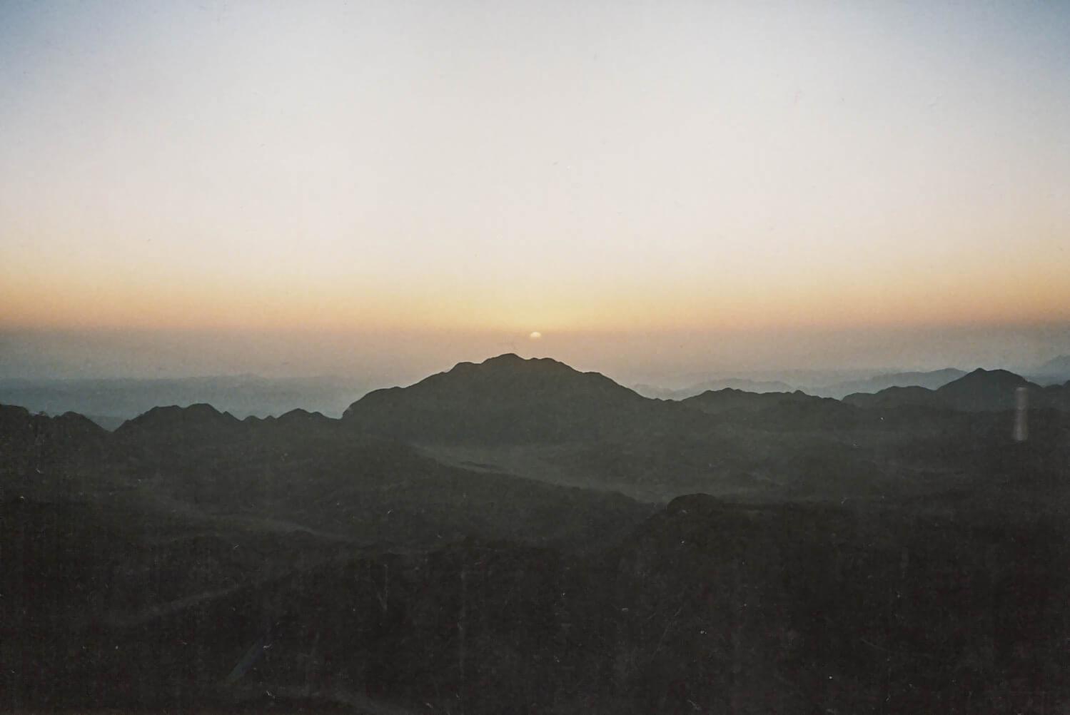 Solopgang fra toppen af Mount Sinai