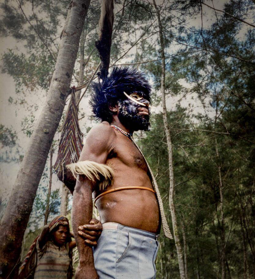 Vores guide og bærer til trekket på Irian Jaya