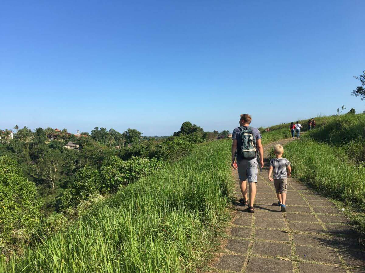 Peter & Sebastian går på Campuhan Ridge